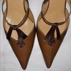Authentic Hermès brown black pumps